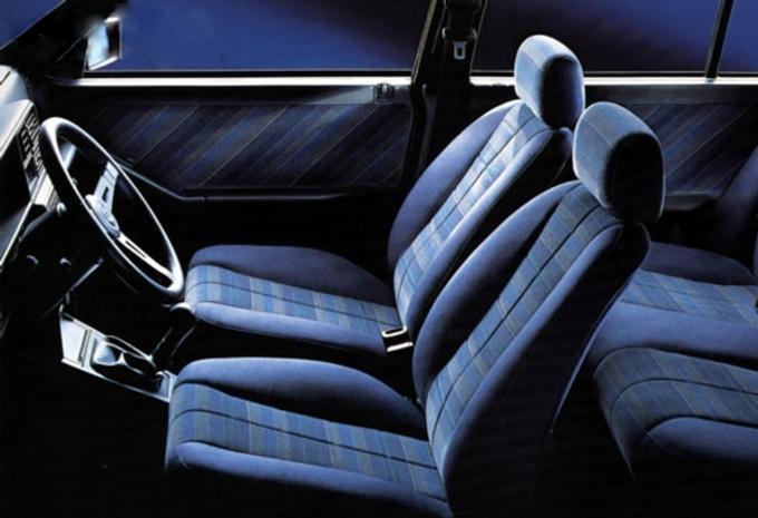 lancia delta 5p 1 6 hf turbo 140ch 1979 prix. Black Bedroom Furniture Sets. Home Design Ideas