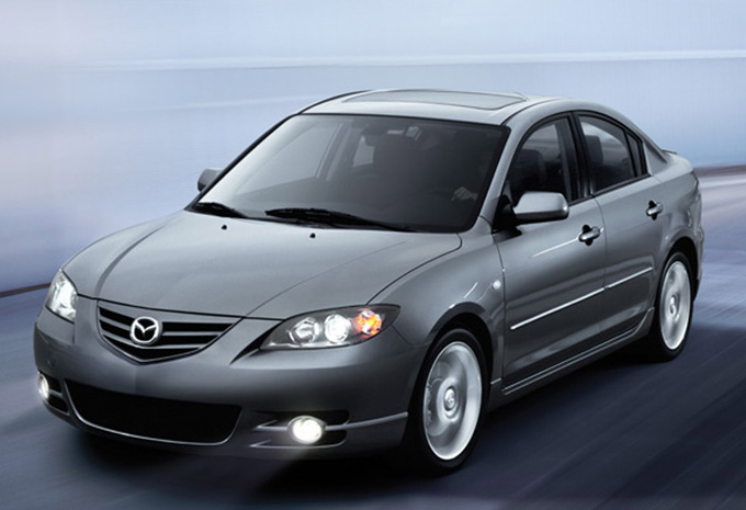 mazda mazda3 sedan 1 6 cdvi 109 active 2003 prix moniteur automobile. Black Bedroom Furniture Sets. Home Design Ideas