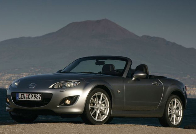 mazda mx 5 2 0 sport 2005 prix moniteur automobile. Black Bedroom Furniture Sets. Home Design Ideas
