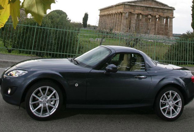 mazda mx 5 1 8 active 2006 prix moniteur automobile. Black Bedroom Furniture Sets. Home Design Ideas
