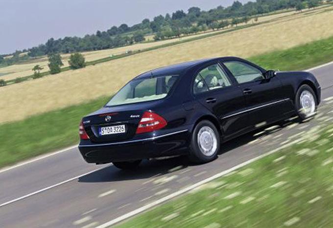 mercedes benz classe e berline e 220 cdi 110kw 2002 prix moniteur automobile. Black Bedroom Furniture Sets. Home Design Ideas