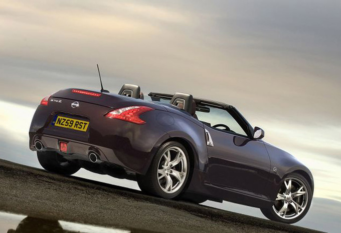 nissan 370z cabriolet 3 7 v6 pack 2010 prix moniteur automobile. Black Bedroom Furniture Sets. Home Design Ideas