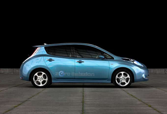 nissan leaf leaf 2011 prix moniteur automobile. Black Bedroom Furniture Sets. Home Design Ideas