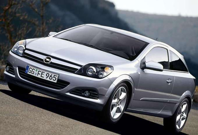 opel astra gtc 1 3 cdti enjoy 2005 prix moniteur automobile. Black Bedroom Furniture Sets. Home Design Ideas