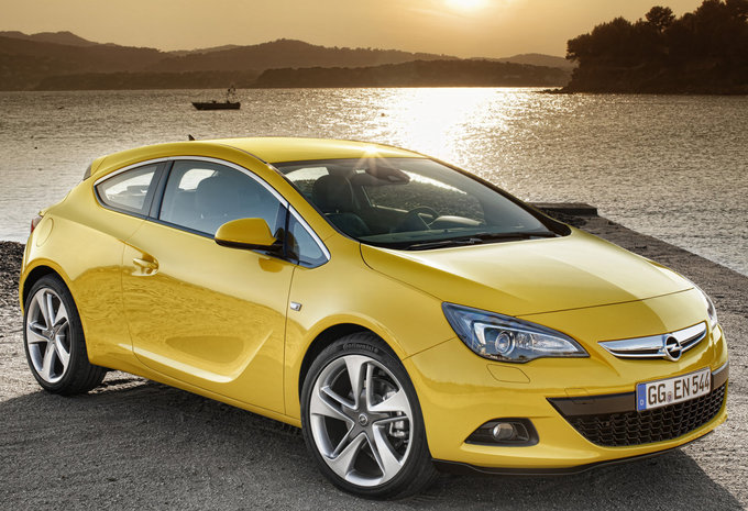 opel astra gtc avis opel astra 4 gtc essais fiabilit avis photos prix opel astra gtc precios. Black Bedroom Furniture Sets. Home Design Ideas