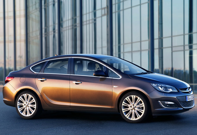 opel astra sports sedan 1 6 85kw cosmo 2017 prix. Black Bedroom Furniture Sets. Home Design Ideas