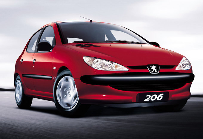 peugeot 206 5p 1 4 hdi enfant terrible 1998 prix moniteur automobile. Black Bedroom Furniture Sets. Home Design Ideas