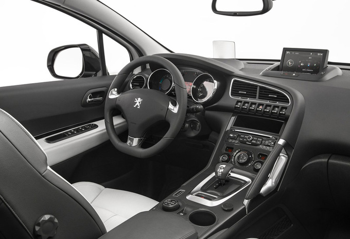 sp cifications techniques peugeot 3008 1 6 hdi 84kw style 2014 moniteur automobile. Black Bedroom Furniture Sets. Home Design Ideas
