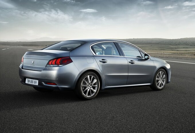 peugeot 508 4p sa 2 0 bluehdi 100kw s s allure prix moniteur automobile. Black Bedroom Furniture Sets. Home Design Ideas