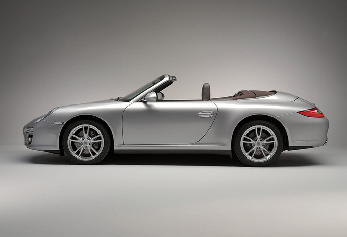 porsche 911 cabriolet turbo s cabriolet ed 918 spyder 2006 prix moniteur automobile. Black Bedroom Furniture Sets. Home Design Ideas