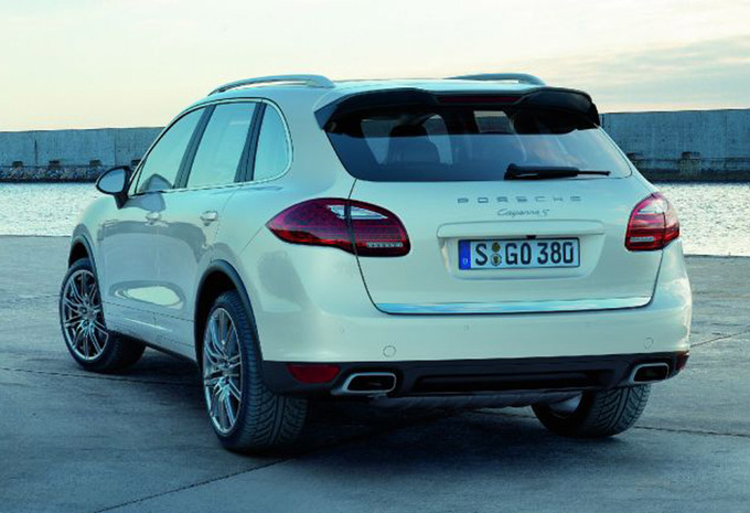 porsche cayenne 4 8 v8 turbo 2010 prix moniteur automobile. Black Bedroom Furniture Sets. Home Design Ideas