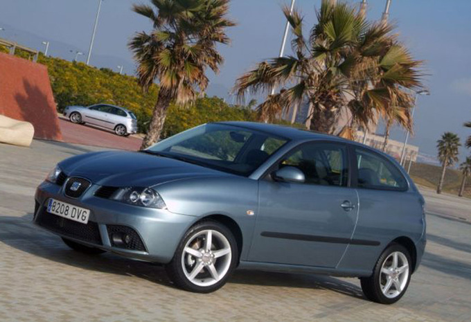 seat ibiza sc 1 2 70 reference 2002 prix moniteur automobile. Black Bedroom Furniture Sets. Home Design Ideas