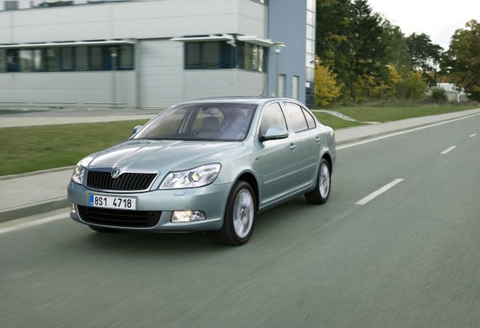 skoda octavia 1 6 crtdi ambition 2004 prix moniteur automobile. Black Bedroom Furniture Sets. Home Design Ideas