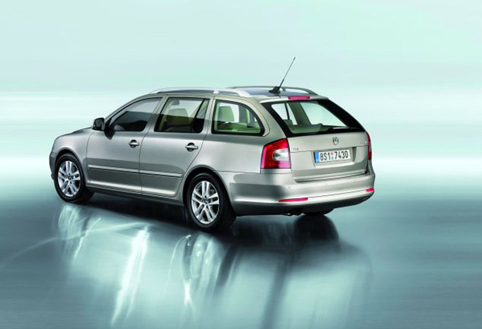 skoda octavia combi 2 0 tdi 170 rs 2004 prix moniteur automobile. Black Bedroom Furniture Sets. Home Design Ideas