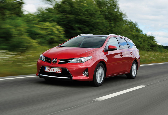prijs toyota auris touring sports 1 8 vvt i hybride premium 2013 autogids. Black Bedroom Furniture Sets. Home Design Ideas