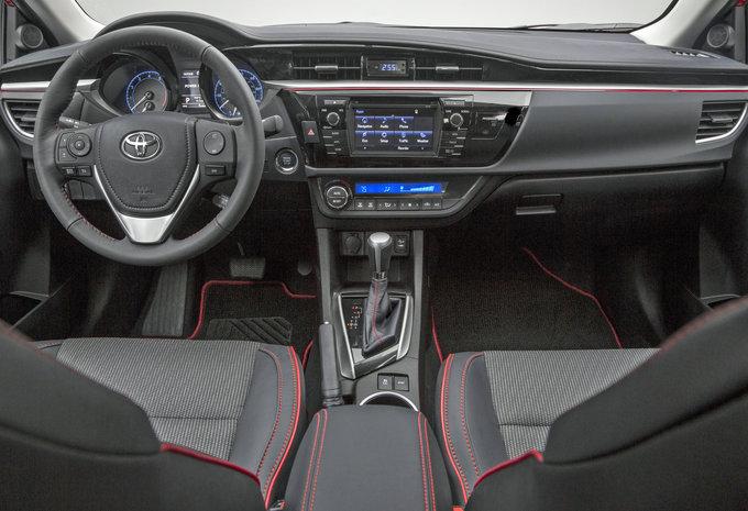 toyota corolla sedan 1 6 valvematic lounge multidrive s 2016 prix moniteur automobile. Black Bedroom Furniture Sets. Home Design Ideas