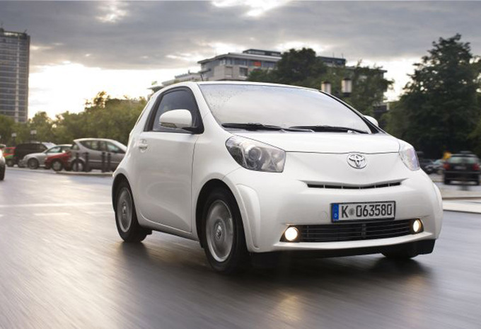 toyota iq 1 0 tobasco 2008 prix moniteur automobile. Black Bedroom Furniture Sets. Home Design Ideas