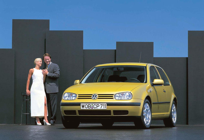 volkswagen golf iv 3p r32 4motion 1997 prix moniteur automobile. Black Bedroom Furniture Sets. Home Design Ideas