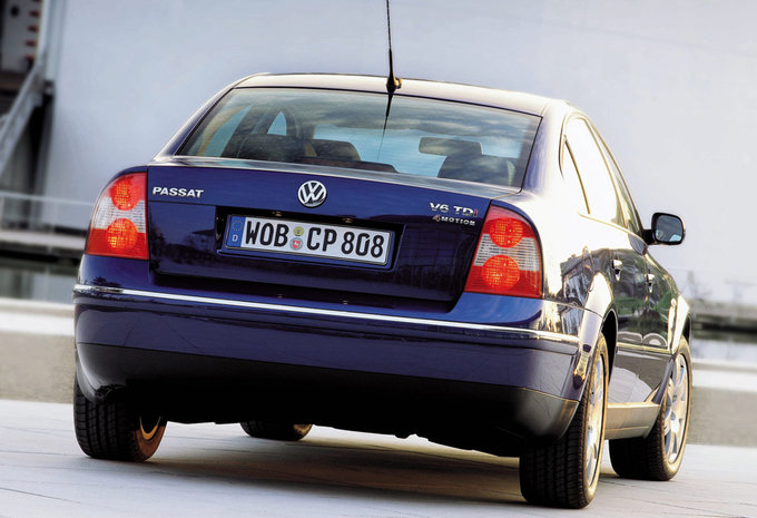 prijs volkswagen passat 2 5 v6 tdi 180 4motion highline 2000 autogids. Black Bedroom Furniture Sets. Home Design Ideas