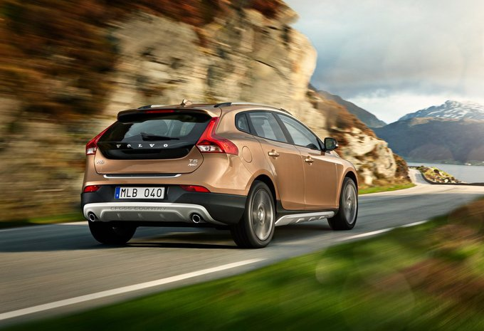 volvo v40 cross country t3 geartronic cross country 2018. Black Bedroom Furniture Sets. Home Design Ideas