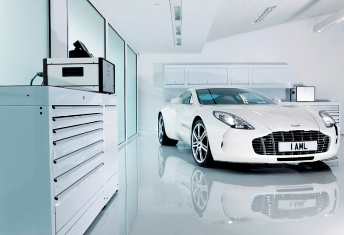 Samenwerking tussen Aston Martin en Daimler #1