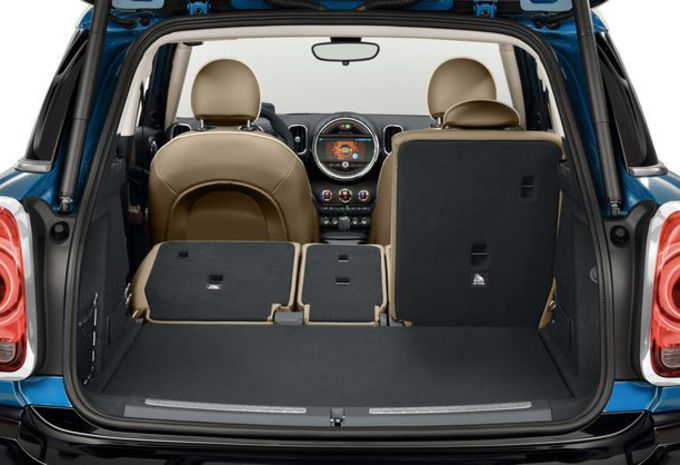 nouveau mod le mini countryman pour un pique nique hybride moniteur automobile. Black Bedroom Furniture Sets. Home Design Ideas