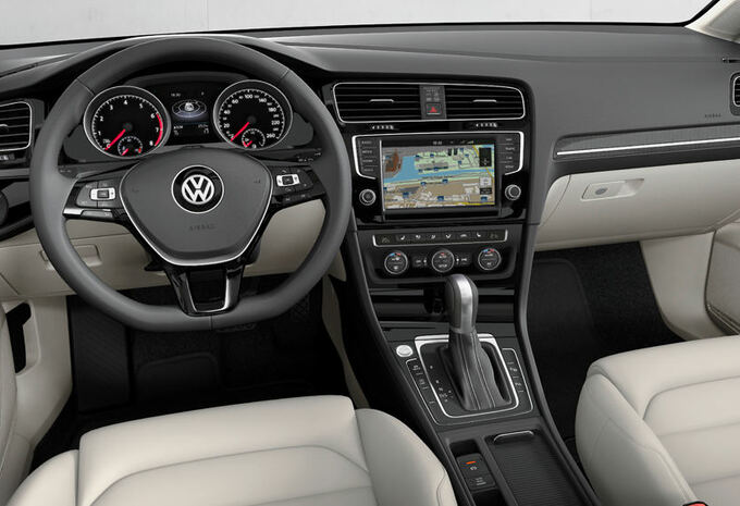 nouveau mod le volkswagen golf moniteur automobile. Black Bedroom Furniture Sets. Home Design Ideas