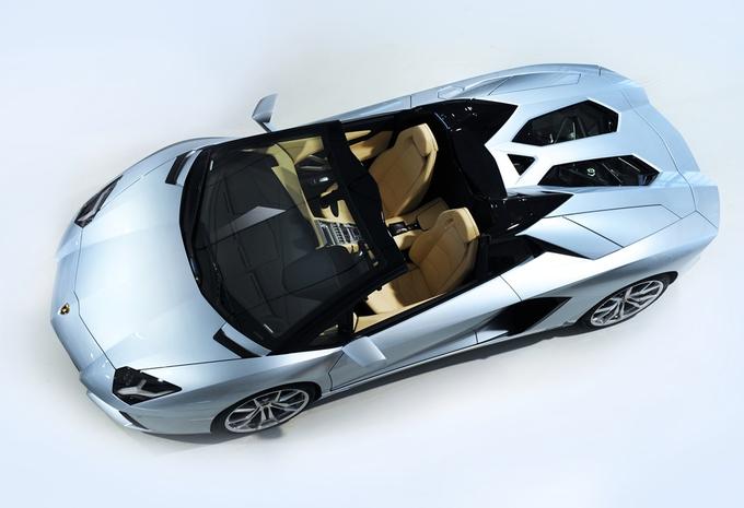 Lamborghini Aventador LP 700-4 Roadster #1