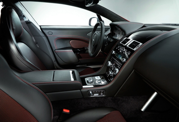 Aston Martin Rapide S #4
