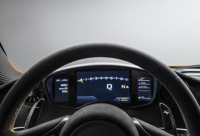 Cockpit van de McLaren P1 #1