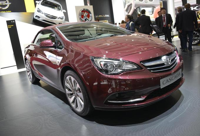 Opel Cascada op video #1