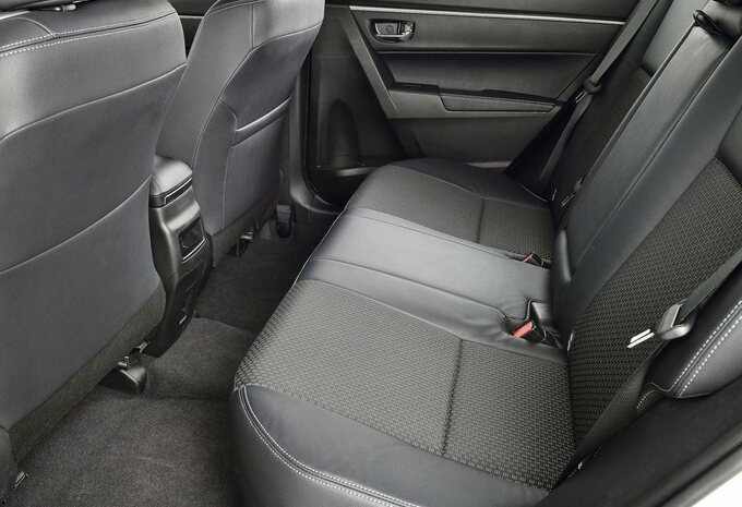 Toyota Corolla #6