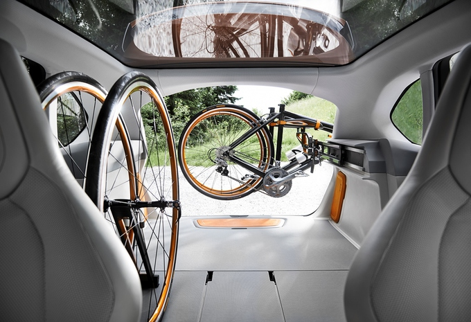 BMW Active Tourer Outdoor #6