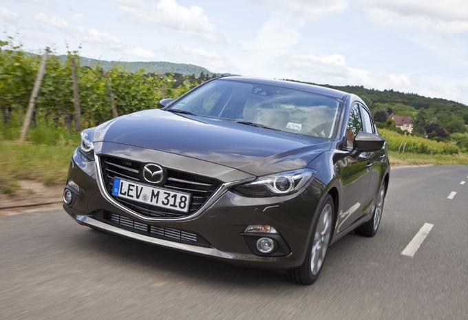 Mazda 3 Sedan #4