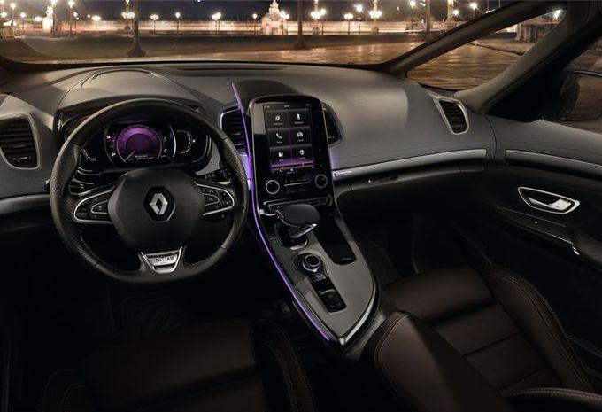 Nieuw model renault lanceert luxelabel initiale paris for Renault espace 4 interieur