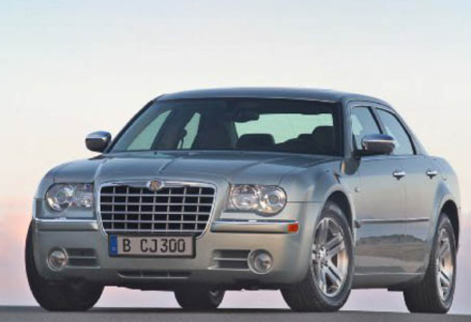 essai chrysler 300c crd moniteur automobile. Black Bedroom Furniture Sets. Home Design Ideas