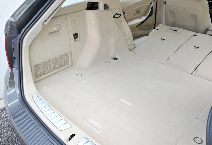 essai bmw s rie 3 touring moniteur automobile. Black Bedroom Furniture Sets. Home Design Ideas