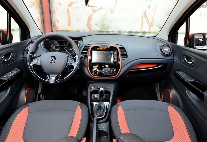 renault captur 1 2 tce 120 edc moniteur automobile. Black Bedroom Furniture Sets. Home Design Ideas