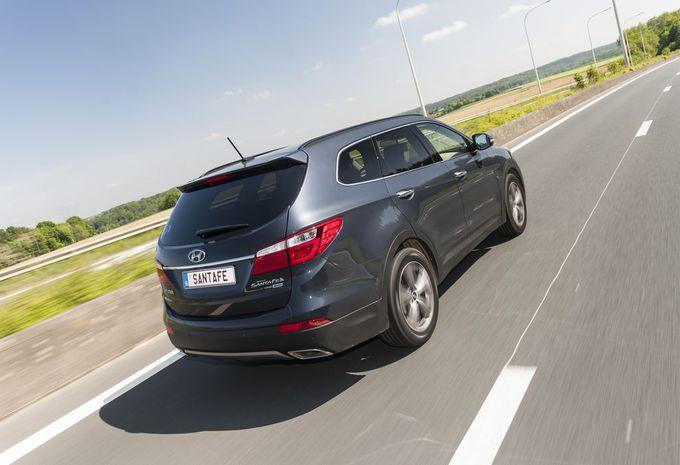 Hyundai grand santa fe moniteur automobile for Premier motors santa fe