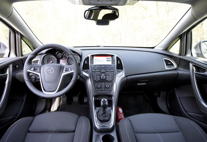 Zafira Tourer et Meriva, l'Opel Astra reçoit le nouveau 1.6 CDTI