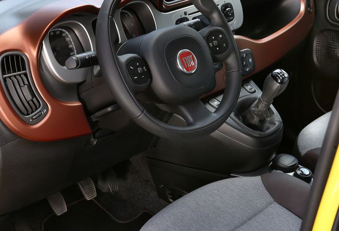 essai fiat panda cross moniteur automobile. Black Bedroom Furniture Sets. Home Design Ideas