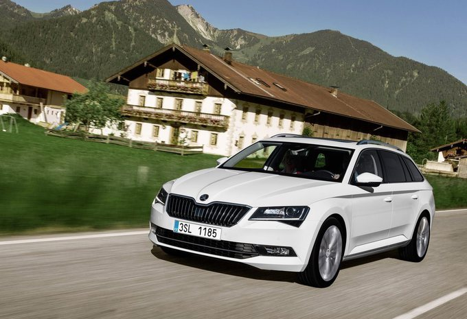essai skoda superb combi 2015 moniteur automobile. Black Bedroom Furniture Sets. Home Design Ideas