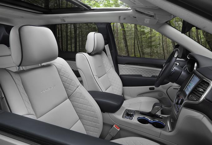 jeep grand cherokee 3 0 crd 2017 moniteur automobile. Black Bedroom Furniture Sets. Home Design Ideas
