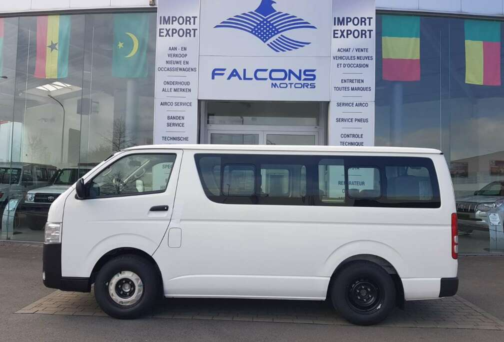 Toyota STANDARD ROOF 15Pl 2.5L  A/C *EXPORT OUT OF EU*