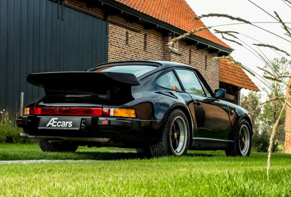 Porsche 930 TURBO / COUPE / FULLY RESTORED / COLLECTOR ***