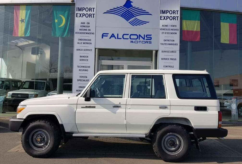 Toyota 76 STD LX 10PL 4.2 DIESEL *FOR EXPORT OUT OF EU*