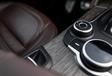 Alfa Romeo Stelvio vs Porsche Macan #12
