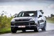 Porsche Cayenne E-Hybrid vs Range Rover Sport P400e #17