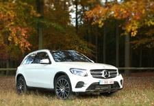 De Mercedes GLK maakt plaats voor de GLC, die het hoekige koetswerkontwerp van zijn voorganger ruilt voor een sierlijker silhouet. Maar volgt de onderhuidse technologie het nieuwe design? AutoWereld doet de test.