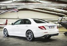 En renouvelant sa plus importante routière, Mercedes voulait poser de nouveaux jalons. La voiture « la plus intelligente » du moment doit donc être la meilleure sur tous les plans.